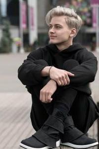 Ильдар Гайнутдинов - участник шоу Танцы на ТНТ, танцовщик