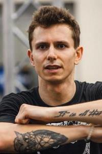 Эдуард Тео - участник шоу Танцы на ТНТ, танцовщик