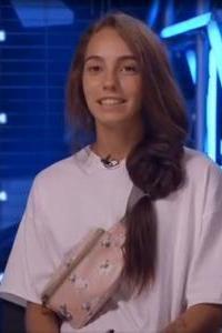 Александра Смирнова - участник шоу Танцы на ТНТ, танцовщик